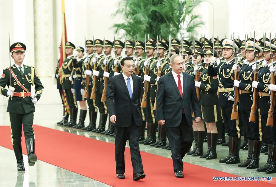 El primer ministro de China, Li Keqiang, conversó con el primer ministro de Israel, Benjamin Netanyahu.(Xinhua/Pang Xinglei)