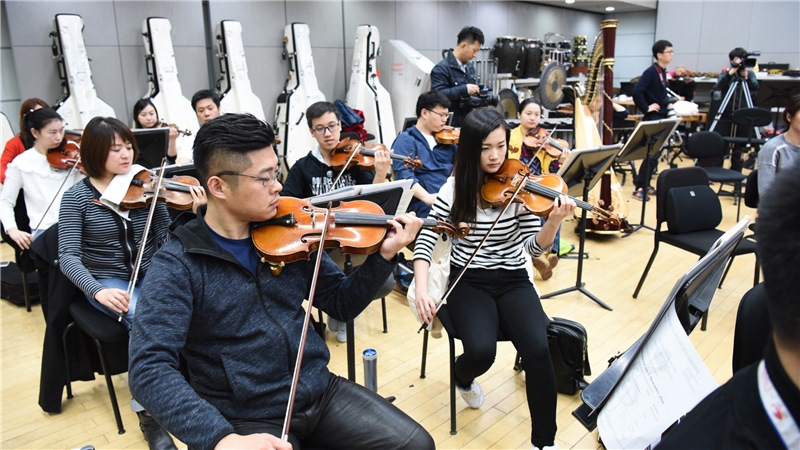 大剧院管弦乐团在高品质音乐会、室内乐、歌剧的演出中,已经位列中国最具实力与活力的交响乐团之一刘方/摄