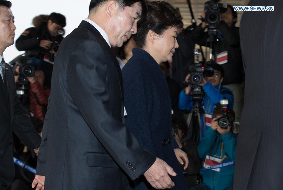 Ousted South Korean President Park Geun-hye arrives at the prosecutors