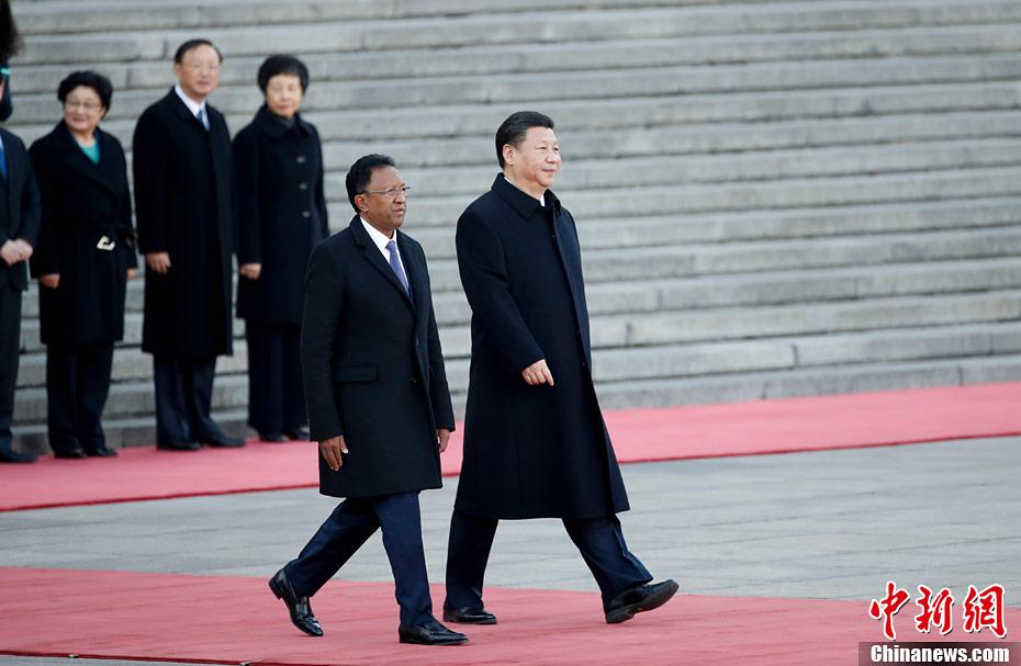Xi Jinping reçoit le président de Madagascar à Beijing