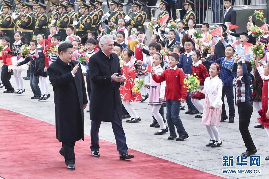 Le président Xi Jinping accueille son homologue serbe à Beijing