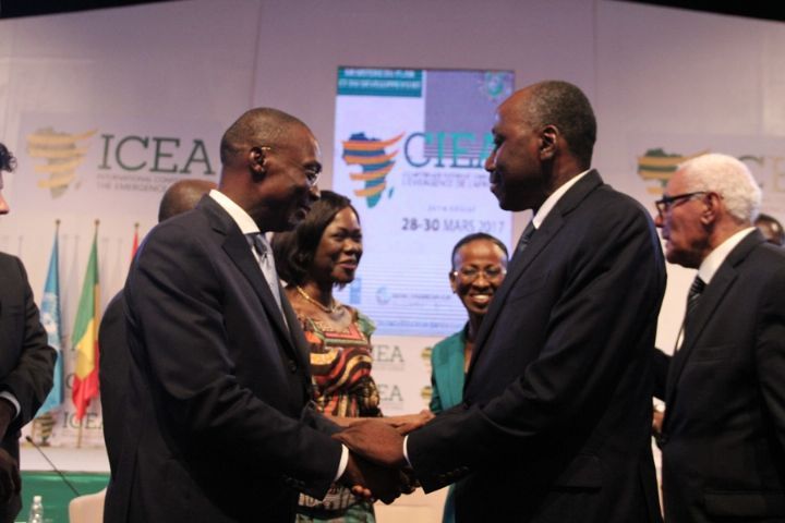Les dirigeants convergent à Abidjan pour discuter du développement du continent
