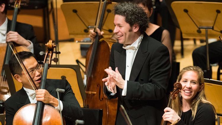 洛杉矶爱乐乐团音乐总监古斯塔夫·杜达梅尔在迪斯尼音乐厅