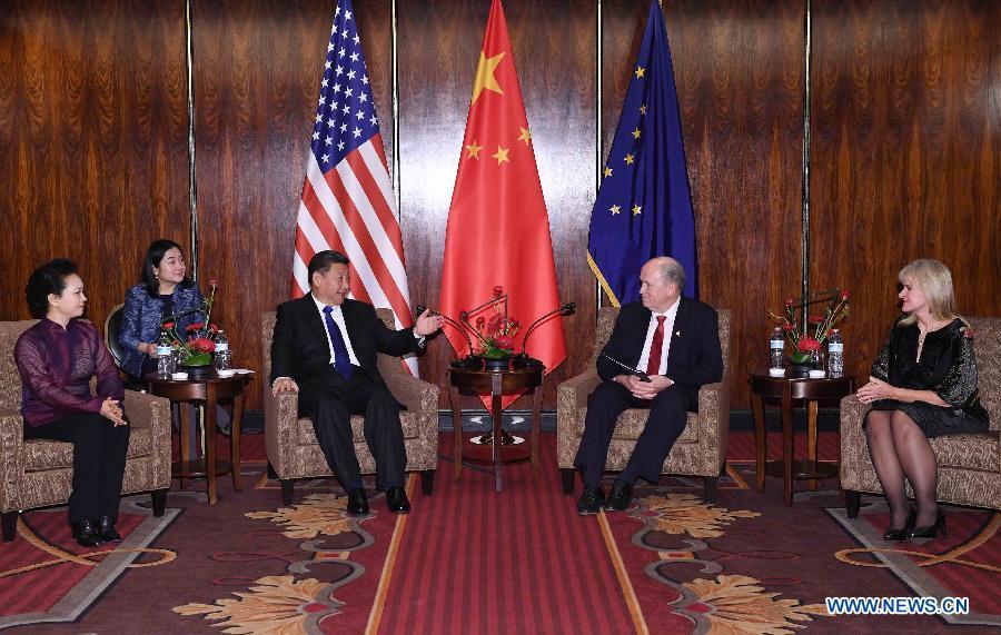 Xi Jinping rencontre le gouverneur de l