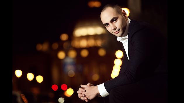 著名古巴钢琴家马科斯·马德里加尔