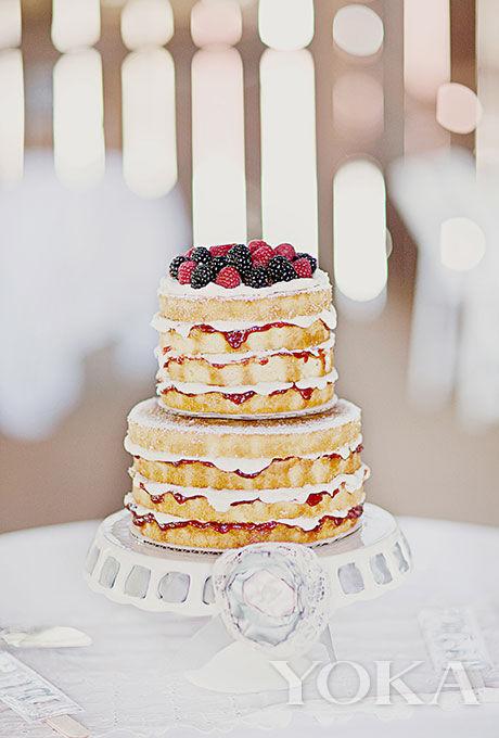香草浆果双层裸蛋糕