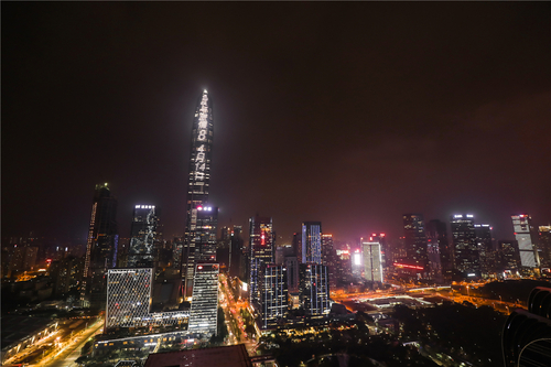《速度与激情8》点亮中国夜空庆祝首映