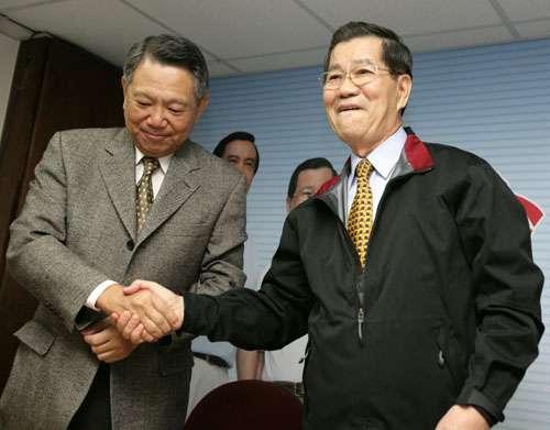 萧万长站台詹启贤,呼吁中国国民党党员勿靠渊源派系请托投票。(图片来源网络)