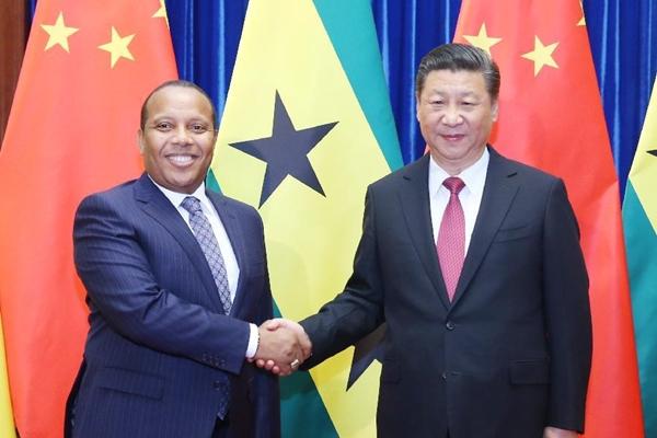 شى يدعو إلى دعم متبادل بين الصين وساوتومى وبرنسيب