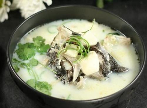 一碗生姜草鱼汤 与感冒菌分手