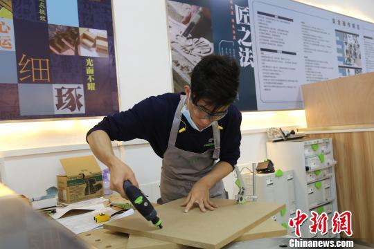 """江西""""95后""""大学生变身""""小工匠""""将出征世界技能大赛"""