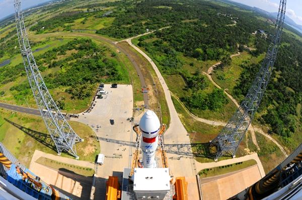 """شبكة التلفزيون الصينية المركزية ستقيم بث المباشرة لاطلاق سفينة شحن فضائية """"تيانتشو-1"""" بتقنية واقع افتراضي"""