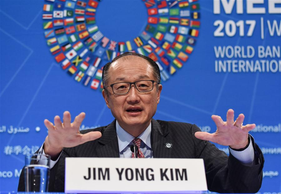 World Bank President Jim Yong Kim speaks at the opening press conference of the 2017 World Bank and International Monetary Fund (IMF) Spring Meetings in Washington D.C., capital of the United States, April 20, 2017. China is still embracing open trade, as the country has lifted millions of people out of poverty through engaging more and more in trade, said World Bank President Jim Yong Kim on Thursday. (Xinhua/Bao Dandan)