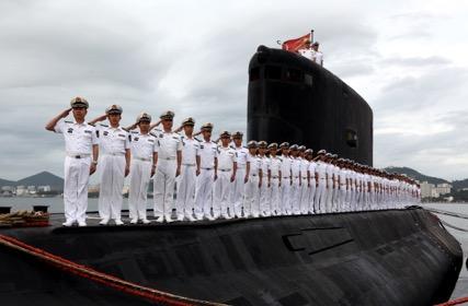海军372潜艇官兵群体。  高毅 摄