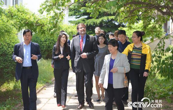2015年6月,联合国教科文组织官员参观访问河北省医疗气功医院
