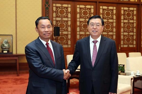 كبير المشرعين الصينيين يلتقي برئيس برلمان ميانمار السابق