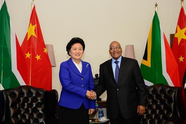 رئيس جنوب افريقيا يشيد بالتزام الصين نحو النمو في افريقيا