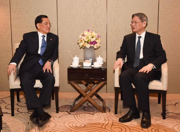 张志军会见中国国民党前主席连战。(陕西省台办供图)
