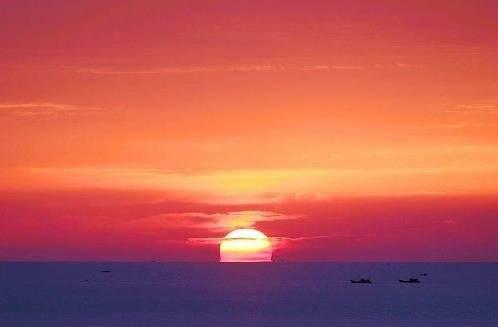 宛若一颗璀璨的明珠,依山伴海,山林美如画屏,却一直很低调; 花果山上