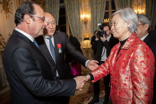 2017年2月8日,朱勉生应法国总统奥朗德的邀请出席在总统府的座谈会