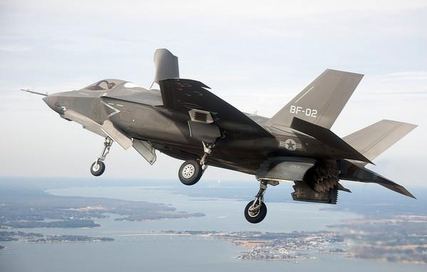 美国海军陆战队F-35B型战机