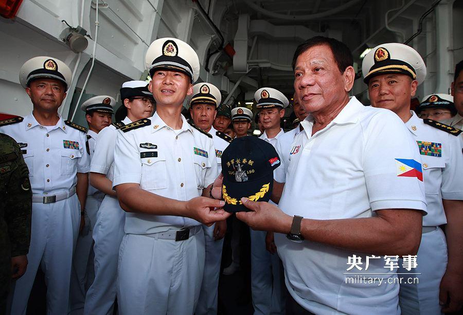 Корабли ВМС НОАК впервые за семь лет зашли на Филиппины