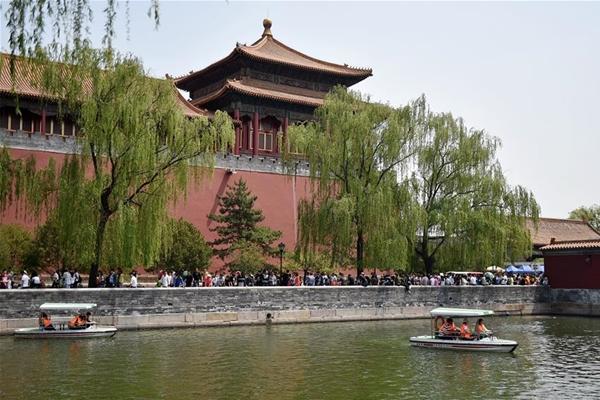 11.5 مليار دولار أمريكي عائدات السياحة الصينية في عطلة عيد العمال
