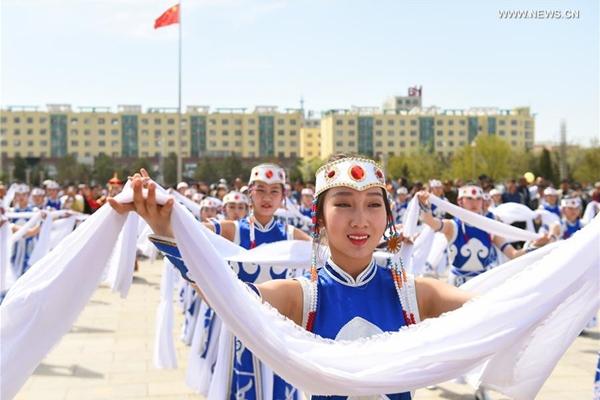 أهم الموضوعات: أول منطقة ذاتية الحكم في الصين تحتفل بعيد ميلادها الـ70