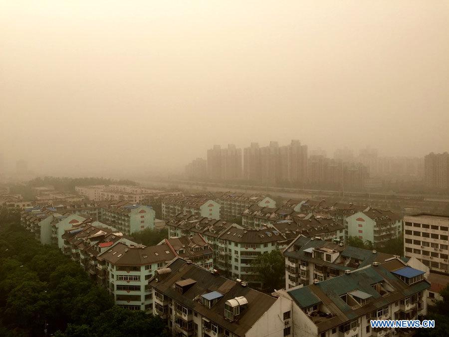 Des tempêtes de sable frappent le nord de la Chine avec l