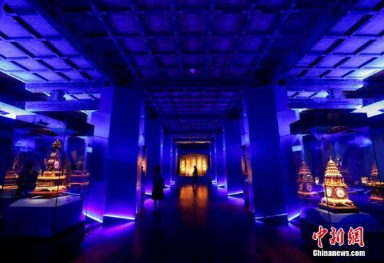 """5月8日,由故宫博物院主办的""""紫禁城与'海上丝绸之路'""""展在北京故宫午门西雁翅楼展厅开幕。中新社记者 杜洋 摄"""