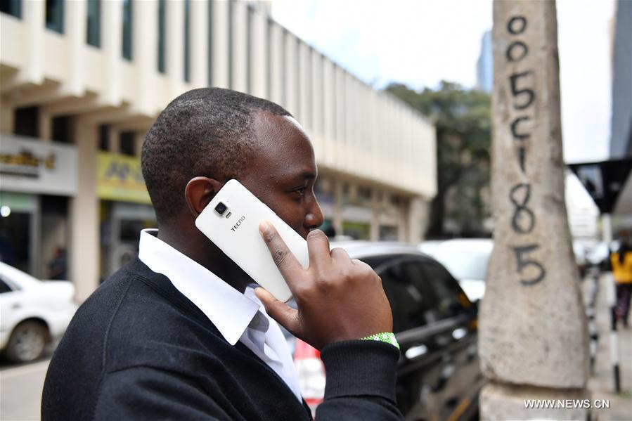 Les portables chinois Transsion rencontrent le succès en Afrique