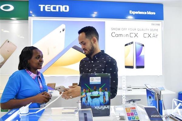 تكنو الصينية تبيع ملايين الهواتف المحمولة في إفريقيا