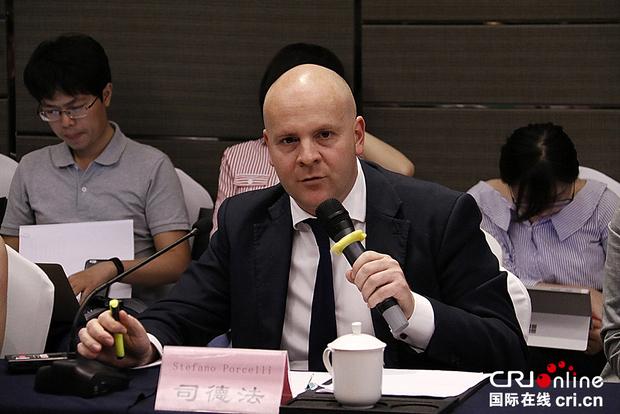 中国政法大学外籍教授司德法在发言。金近 摄