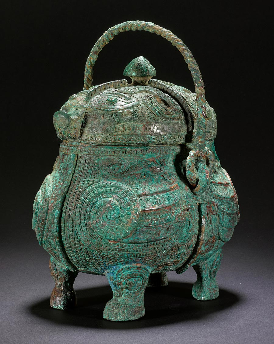 A wine vessel called you from the Shang Dynasty. [Photo provided to China Daily]