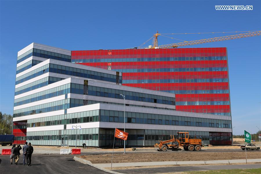 Photo taken on May 12, 2017 shows a finished office building in the Belarus-China industrial park Great Stone near Minsk, capital of Belarus. The first stage of the trade and logistics sub-park in the Belarus-China industrial park Great Stone near Belarusian capital, Minsk, has been commissioned on Friday. (Xinhua/Wei Zhongjie)