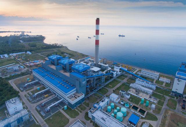 由中国华电集团公司投资修建的印尼巴厘岛一期燃煤电站项目位于巴厘岛北部海岸(4月25日摄)。新华社记者 杜宇 摄