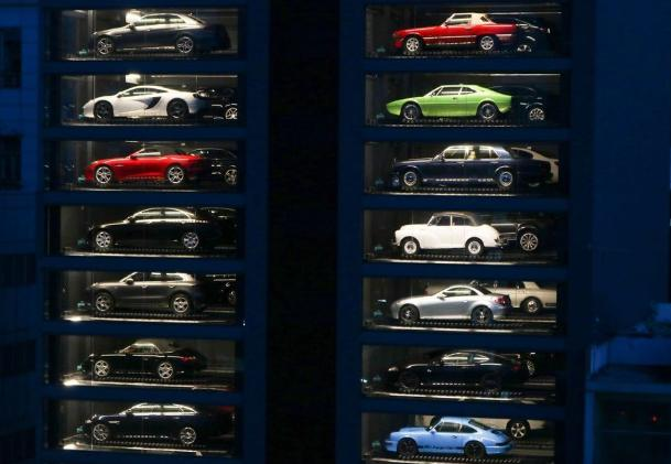 Luxury Car Vending Machine Opens In Singapore Cctv News Cctv Com