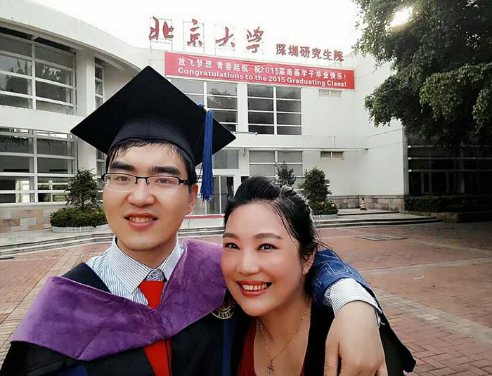 When Zou Hongyan welcomed her only son to the world in 1988, terrible birth complications left him disabled for life with cerebral palsy. She refuses to give up him and nurtures him all the way to Harvard.