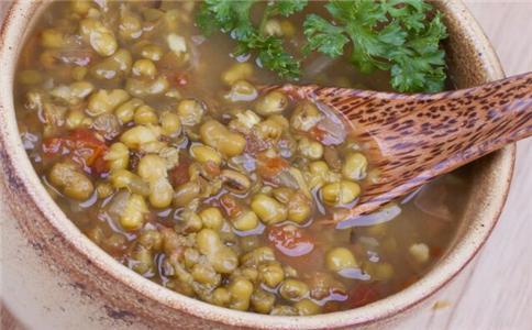 夏季喝绿豆汤要注意什么 哪些人不能喝绿豆汤 绿豆汤的做法