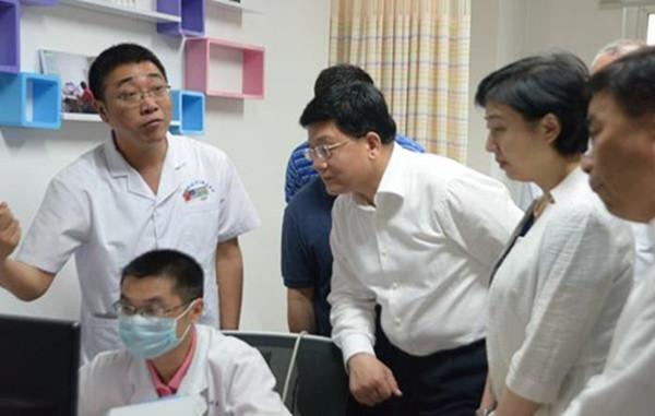 国家卫生计生委副主任、国务院医改办主任王贺胜在镇江市康复集团现场督导