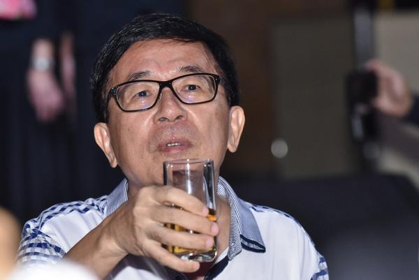 """陈水扁参加""""凯达格兰基金会""""举办的募款餐会。"""
