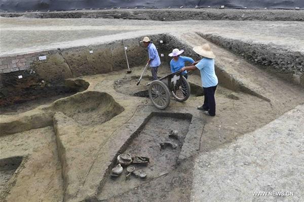 اكتشاف معبد أثري اختفى لألف سنة في مقاطعة سيتشوان بجنوب غربي الصين