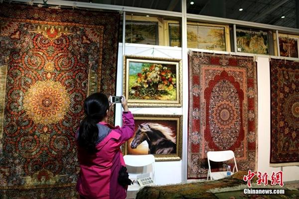 معرض السجاد التبتي قبلة لتجار مختلف دول العالم