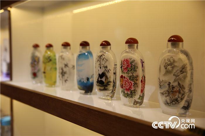La culture chinoise: les peintures de tabatières miniatures