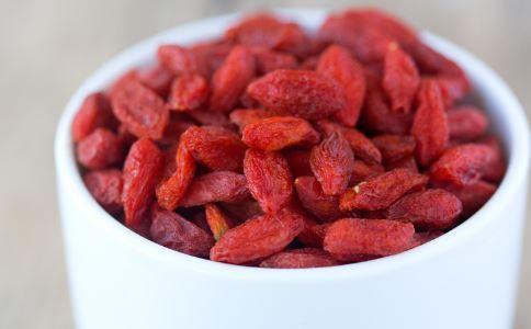 枸杞的吃法有哪些 枸杞跟哪些食物搭配吃最好 枸杞的禁忌有哪些