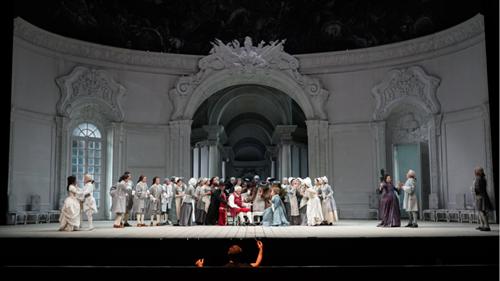 指挥家塞巴斯蒂安·朗-莱辛执棒国家大剧院管弦乐团拉开《玫瑰骑士》演出序幕王小京/摄