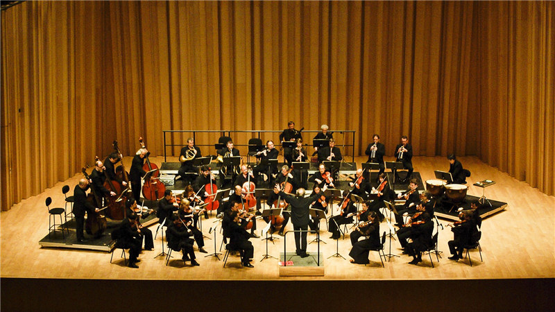 香榭丽舍管弦乐团在赫尔维格的率领下,将于6月15日到访北京,国家大剧院为观众奏响贝多芬两部交响名作