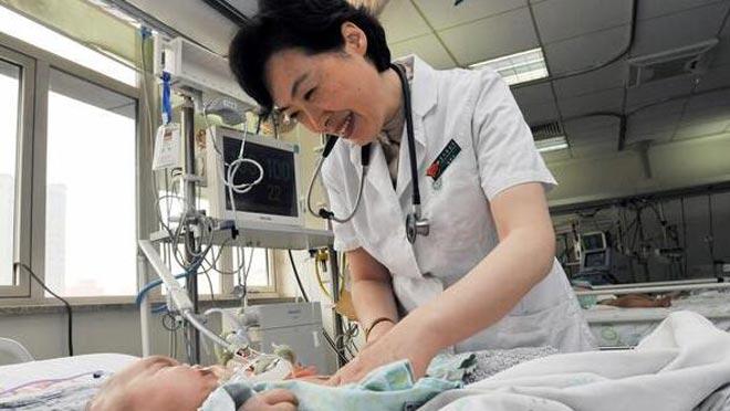 钱素云:重症患儿的生命守护神
