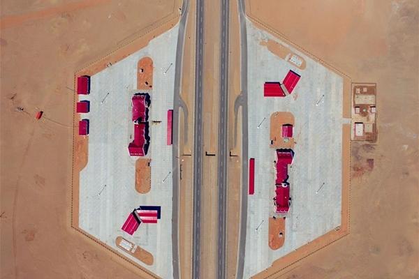 طريق بكين-شينجيانغ:أطول طريق سريع صحراوي في العالم