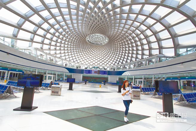 天津于家堡高铁站的建设为全球首例单层大跨度网壳穹顶钢结构工程